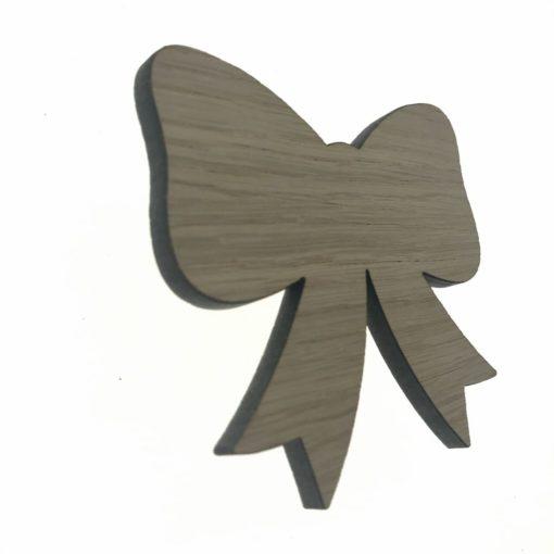 Børneknage formet som en sløjfe i 6 mm tyk egetræsfiner