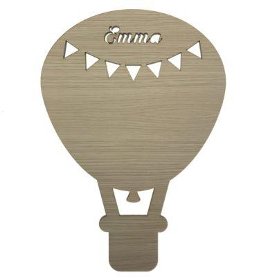 Luftballon væg lampe til børn med navn skåret direkte i fronten