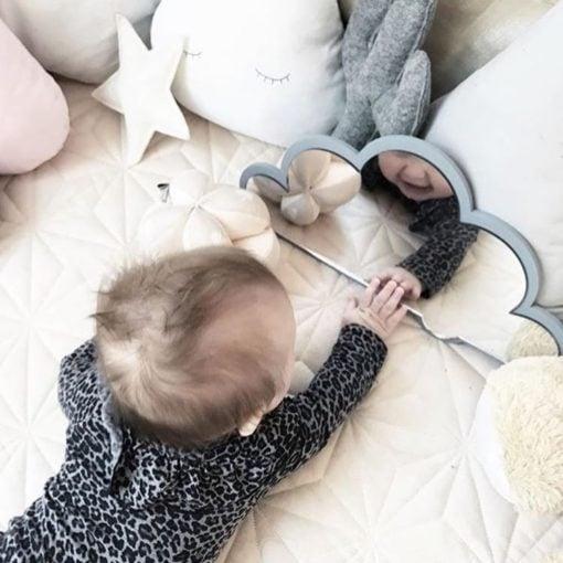 Babytræning med spejl