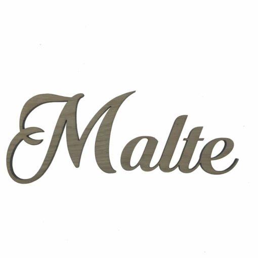 Navnet Malthe skåret i 6 mm egetræsfiner