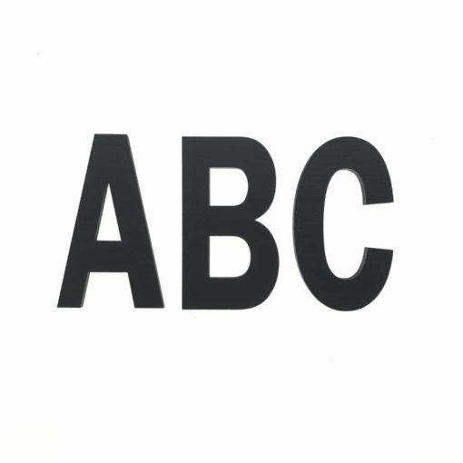 Smukt sort malet alfabet