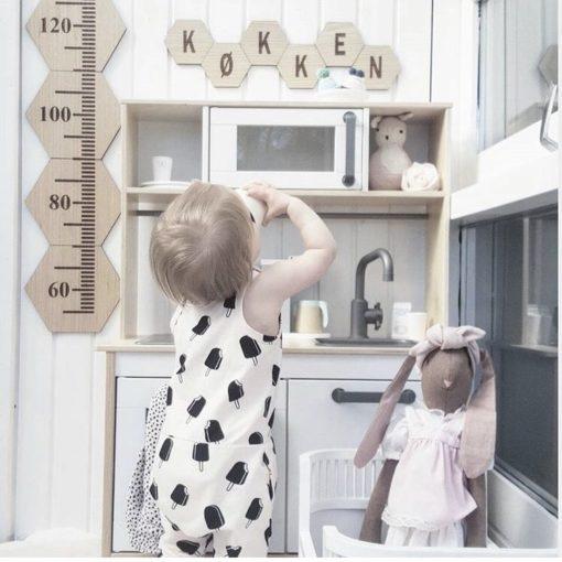 Legekøkken med design plader bogstav graveret