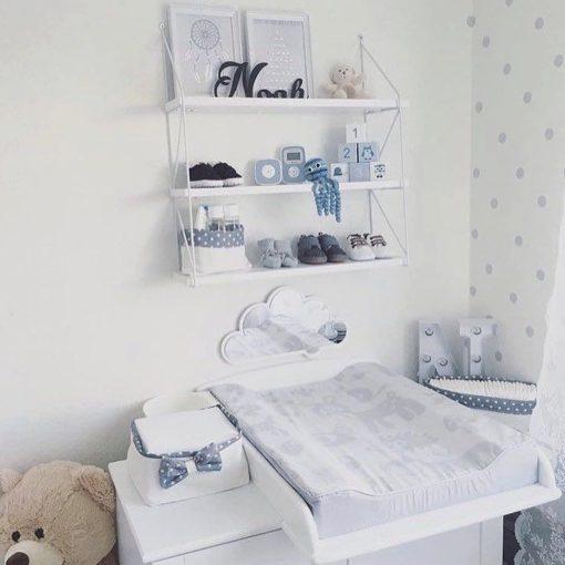 Stimulering og nakketræning til din baby med hvidt sky spejl