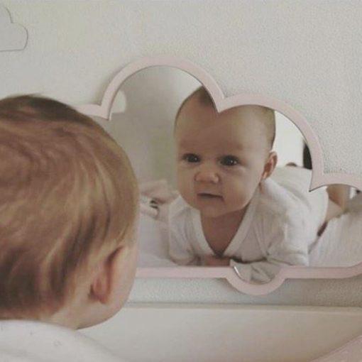 Babyspejl til børneværelset