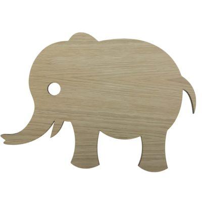 Væglampe formet som en elefant og skåret i egetræsfiner