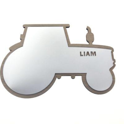 Baby Spejl til børneværelset formet som en traktor med navn