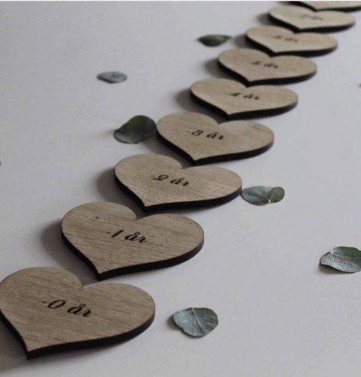 Smuk hjerte højde måler i træ til baby
