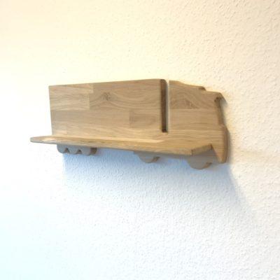 Egetræs hylde formet som en lastbil