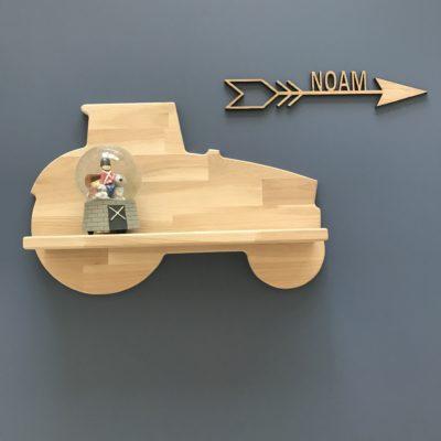 Smuk traktor hylde til børneværelset