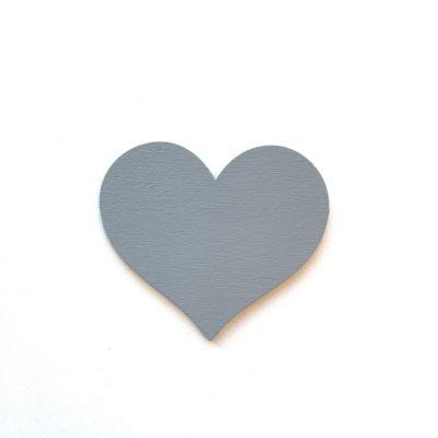 Hjerte på væggen i et børneværelse, grå