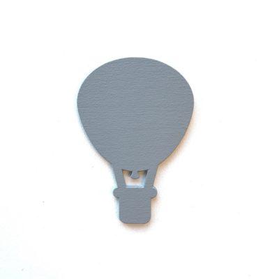 Smuk luftballon i grå på væg