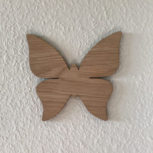 enkelt sommerfugl til væg på børneværelse