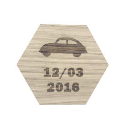 design plade med bil og dato