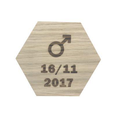Design plade med drengetegn og dato