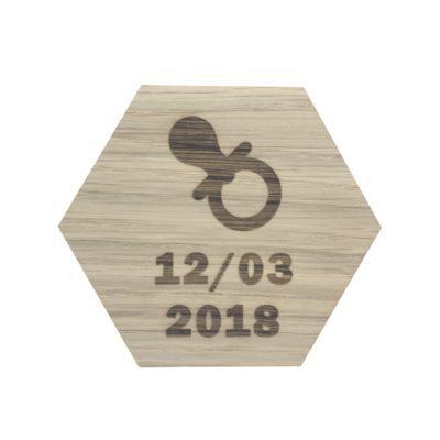 Design plade med sut og dato