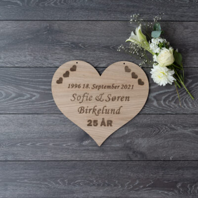 Sølvbryllup skilt formet som et hjerte med 25 år
