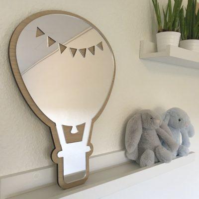 Smukt luftballon spejl på børneværelse
