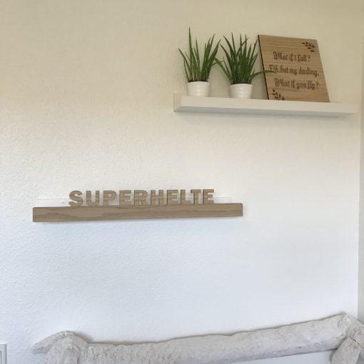 Superhelt hylde front drengeværelse