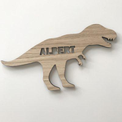 T-rex navneskilt i 6 mm tyk egetræ med navn