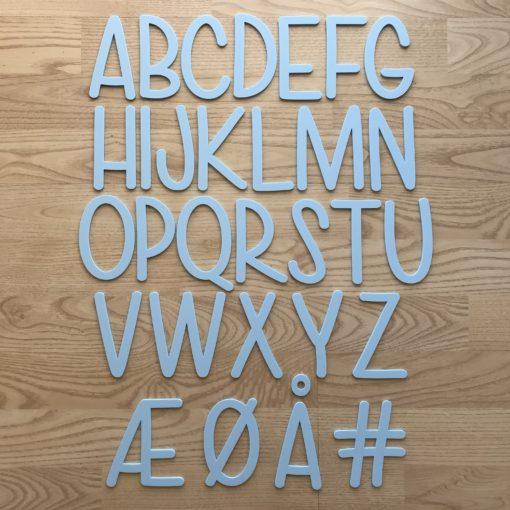 Alle bogstaver lyseblå silkemat akryl - dansk design