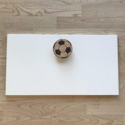 Fodbold greb i træ til FÖLJA front fra ikea