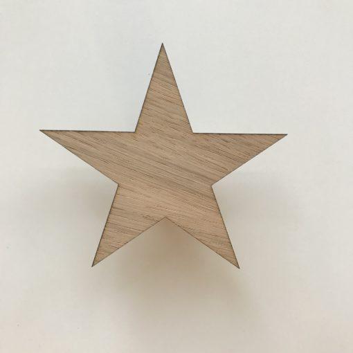 Stjerne greb i egetræsfiner