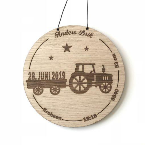 Fødselstavle med traktor - egetræsfiner