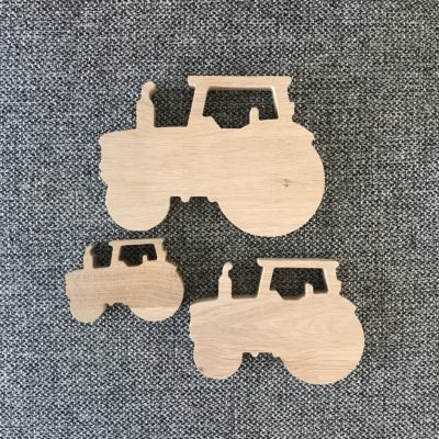 3. stk traktor af egetræ 18 mm