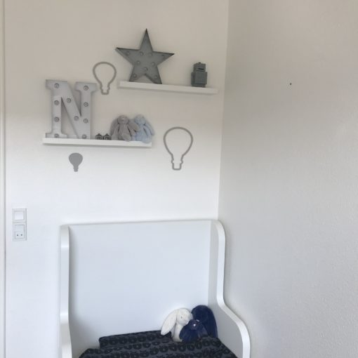 Grå akryl luftballon sæt til væg på børneværelse