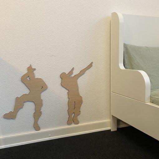 gamer værelser med kæmpe dansere på væggen