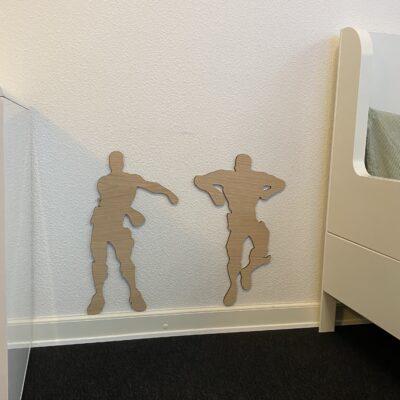 Floss danser - kæmpe model på gamer værelse