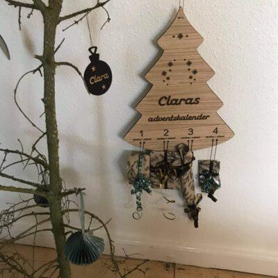 adventskalender - juletræ med navn i egetræsfiner