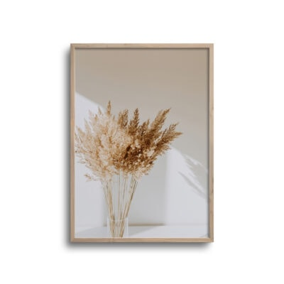 plakat af blomster i vase med blødt lys