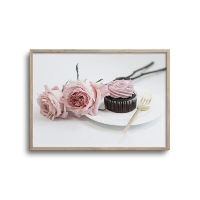 plakat med roser og kage