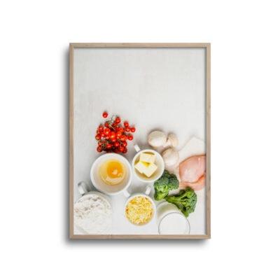 flatlay plakat med mad på et bord