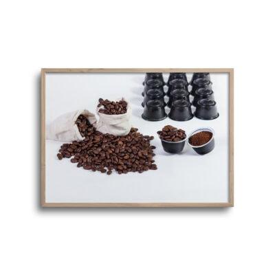 plakat med kaffebønner og malede kaffe til maskine