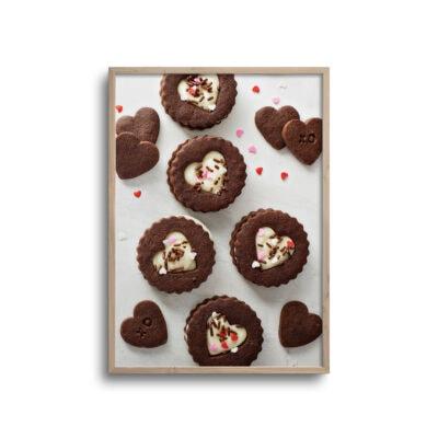flatlay plakat af hjerte kager